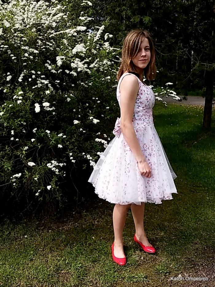 kevätjuhla mekko juhlapuku juhlamekko katrin ompelimo-001